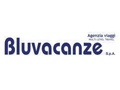 https://centrecommercialcarrefour.fr/wp-content/uploads/sites/136/2018/11/bluvacanze-242x182.jpg