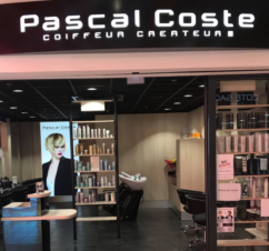 https://centrecommercialcarrefour.fr/wp-content/uploads/sites/59/2019/02/pascal-coste-1-242x226.png